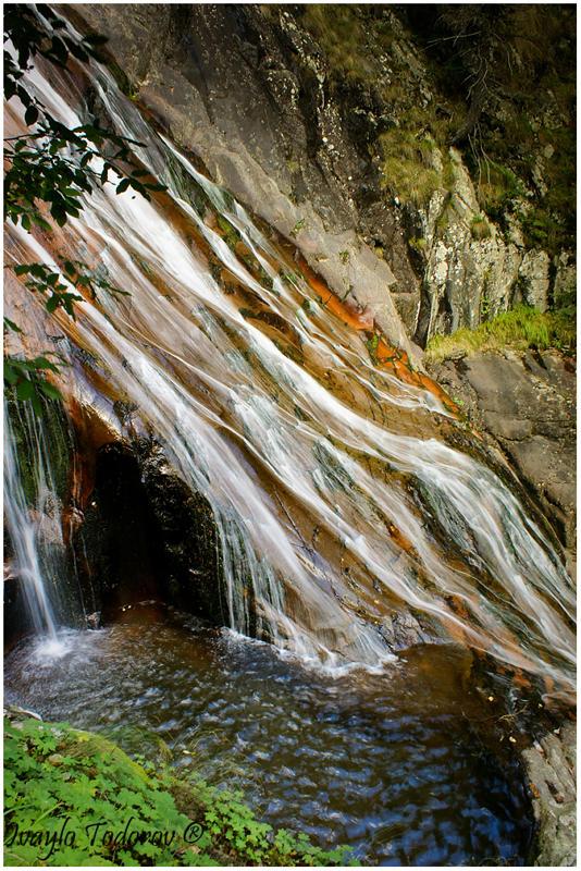 Kanion vodopadi Orfei